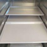 Flugzeugtrolley Kunststofftablett weiß 1/2 Größe im Flugzeugtrolley