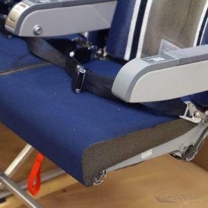 Flugzeugsitzbank ohne Sitzbezüge