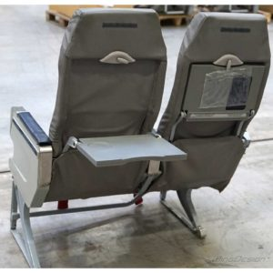 Flugzeugsitz Doppelbank grau Rückseite