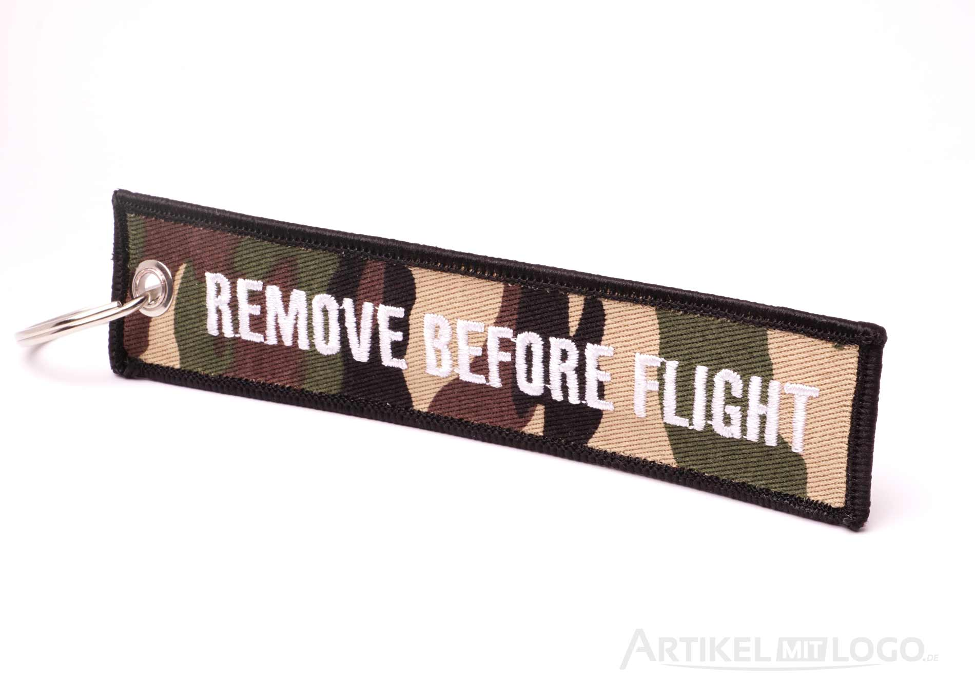 Remove Before Flight Schluesselanhaenger camouflage