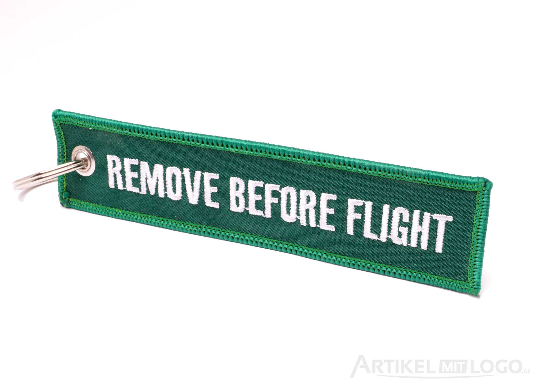 Remove Before Flight Schluesselanhaenger grün