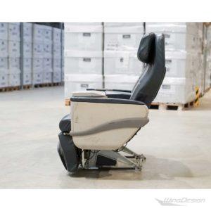 Flugzeugsitz Doppelsitzbank BusinessClass Leder schwarz Seitenaufnahme